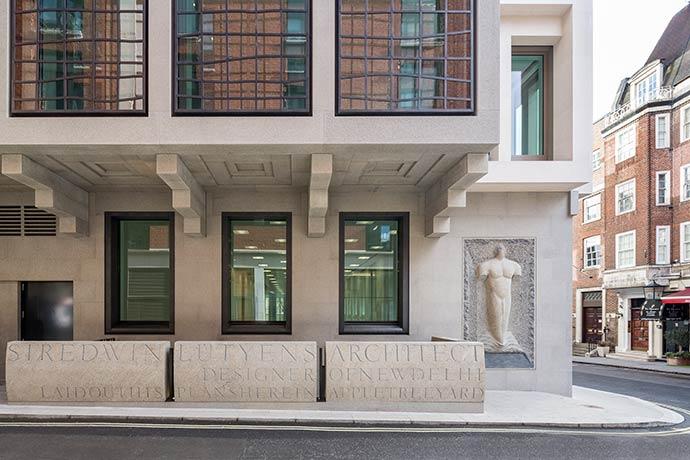 8 St James's Square / Eric Parry Architects