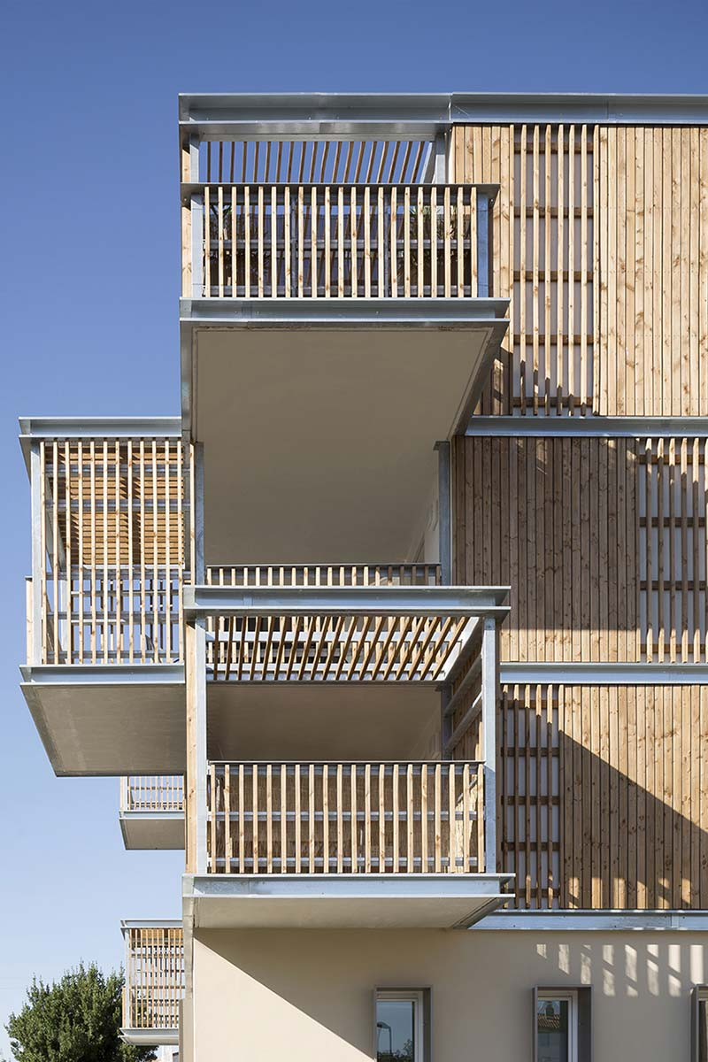 Social Housing in Aigues-Mortes / Thomas Landemaine Architectes