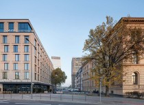 Two hotels at Hauptbahnhof, Berlin–Mitte / nps tchoban voss